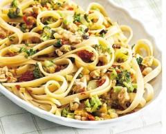fettuccine, coniglio, broccoli, pasta, primo